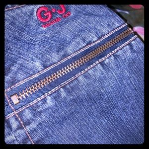 GUESS JEANS WITH FLARED ZIPUP LEGS